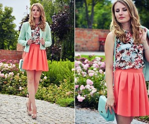 coral, floral print, and look image