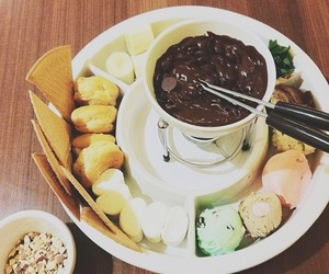 chocolate, dessert, and fondue image