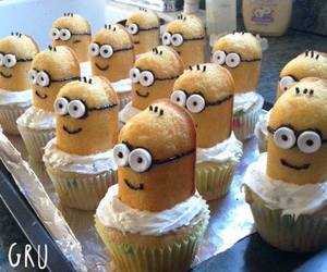 cup cakes and cupcakes image