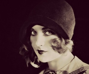 1920s and cloche image