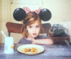 girl, little girl, and minnie image