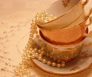 vintage, cup, and pearls image