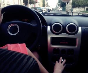 تفسير حلم السيارة لابن سيرين رؤيا ركوب السيارة في المنام