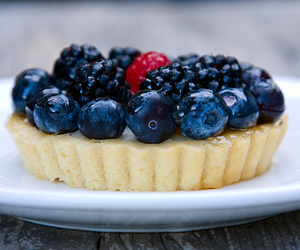 food, blueberry, and dessert image