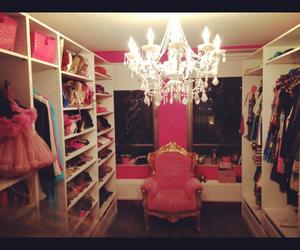 girly closet walkin dress image