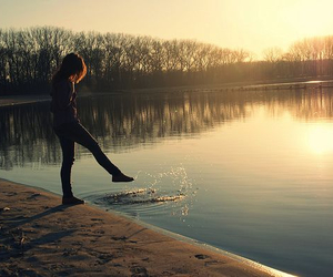 girl, water, and sun image