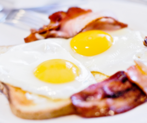 bacon and toast image