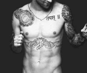 maroon 5, sex symbol, and cute image