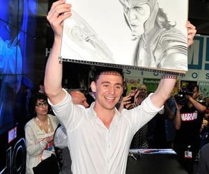 loki and tom hiddleston image