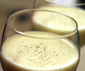 egg nog and eggnog image