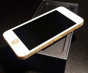 gold & white and iphone 5 image