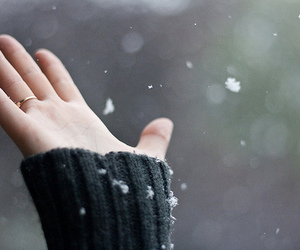 snow, hand, and ring image