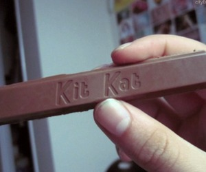 food, kitkat, and cute image