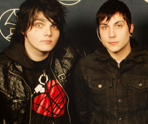 my chemical romance, frerard, and frank iero image