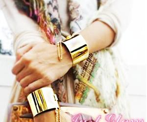 bracelet, chic, and necklace image