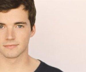 ian harding, pretty little liars, and ezra fitz image