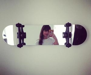 mirror and skate image