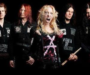40 Images About Angela Gossow On We Heart It See More About Arch