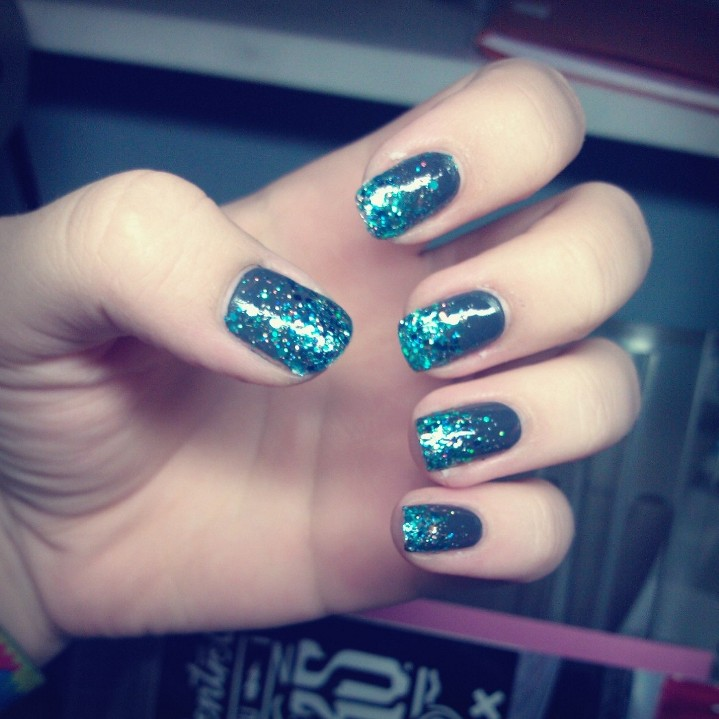 Glitter Nails Tumblr Google Search On We Heart It