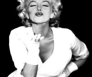blond, glamour, and Marilyn Monroe image