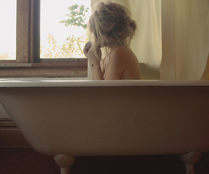 bath, bathtub, and blonde image