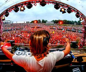 Tomorrowland, party, and dj image