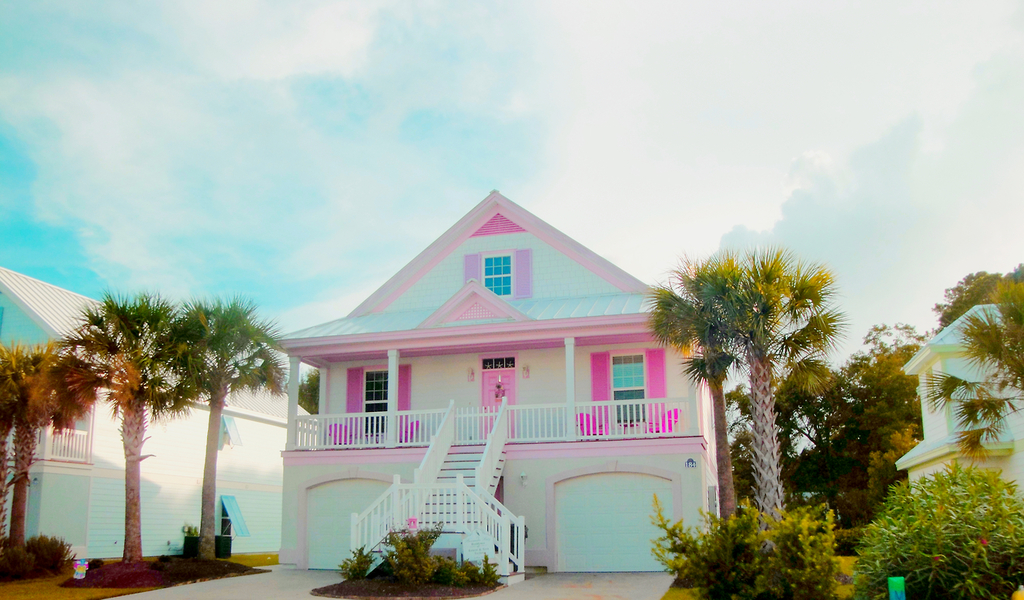 Pink House Via Tumblr On We Heart It - Beautiful houses tumblr