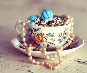 cup, vintage, and pearls image
