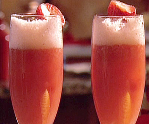 strawberry, bellinis, and strawberry belini's image