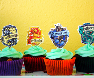 cupcakes, hufflepuff, and gryffindor image