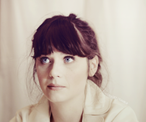 zooey deschanel and blue eyes image