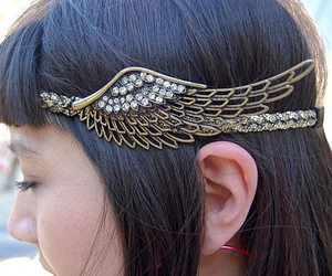 headband and accessories image