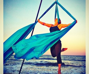 aerial silks, acrobacias, and love image