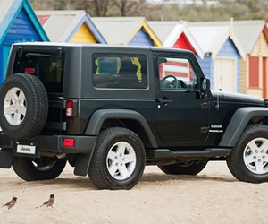 beach and jeep image