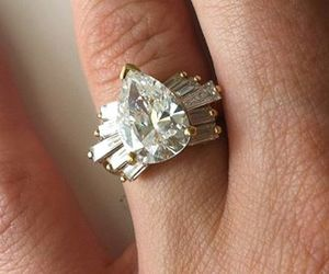 used engagement rings, sell engagement rings, and preowned engagement rings image