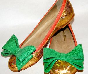 fashion, gold, and green image
