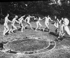 full moon, wicca ring, and wicca gathering image