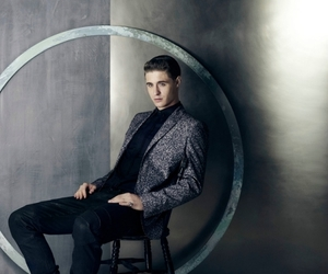 lindo and max irons image