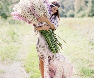 flowers, women, and ♡♡♡ image