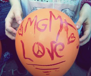 andrew vanwyngarden, balloon, and indie image