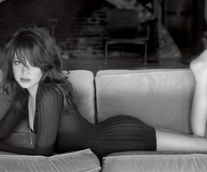 black and white, emma stone, and da lilly jelly image