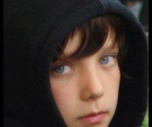 blue eyes and asa butterfield image