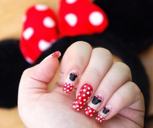 nails and minnie image