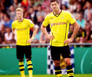 borussia dortmund, mrr, and robert lewandowski image
