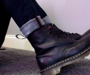 pale, grunge, and boots image