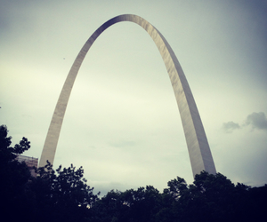 arch and home image