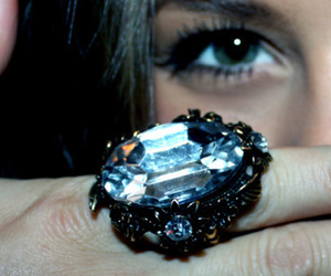 ring and eyes image