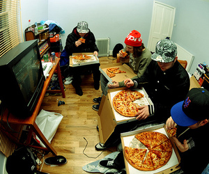 pizza, boy, and friends image