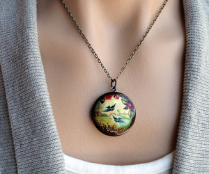 sweater and necklace image