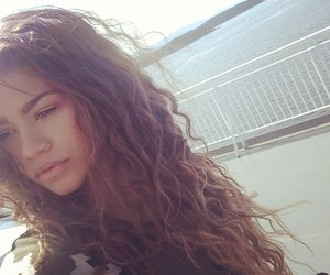 zendaya and hair image